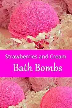 DIY Lavender Bath Bombs Ingredients: This recipe creates about 12 bath bombs. Mini Bath Bombs, Homemade Bath Bombs, Homemade Soaps, Mason Jar Diy, Mason Jar Crafts, Galaxy Bath Bombs, Cream Baths, Diy Hanging Shelves, Bath Bomb Recipes