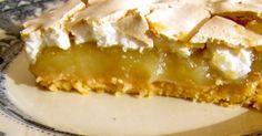 Massa: 250g farinha 50g açúcar 130g manteiga fria 1 ovo Recheio: 1 Kg de maçã reineta 50g de açúcar Sumo de limão...
