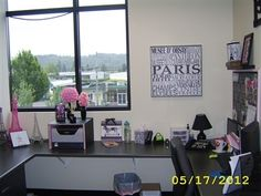 Finlandia My Office With Paris Theme