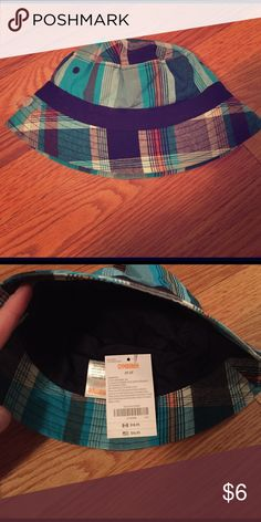 NWT Gymboree plaid swim bucket hat 2t-3t Gymboree blue plaid bucket hat for pool or beach, size 2t- 3t. New with tags! Gymboree Accessories Hats