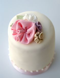 Ribbon roses cakelet by Icing Bliss, via Flickr