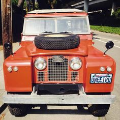 """megadeluxe: """"Land Rover off Broadway. #landrover #offroad #oakland (at Oakland, California) """""""
