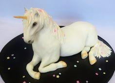 3D Unicorn Cake - 3D Unicorn Cake Watermelon Cupcakes, Realistic Cakes, Rainbow Parties, Sculpted Cakes, Unicorns And Mermaids, Cake Central, Girl Cakes, Edible Art, Amazing Cakes