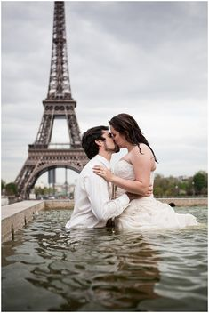 trash the dress water in Paris © Catherine O'Hara Photography via www.frenchweddingstyle.com #paris #photography #wedding