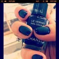 Chanel Shiny/Matte nails