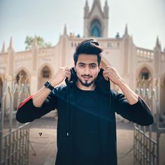 The truth is that no one is truthful these days! Handsome Boy Photo, Handsome Boys, Cool Boy Image, Dear Crush, Dslr Background Images, Boy Photography Poses, Photo Poses, Cute Boys Images, Woman Smile