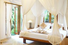 The Spacious Bedroom of Suite Garden Villa