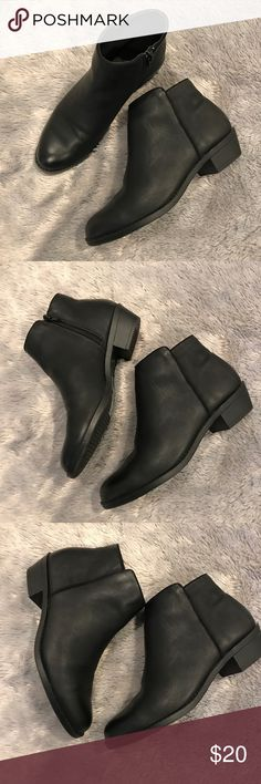 Black Leather Ankle Booties Boots Forever 21 Black Leather Booties Boots Forever 21 Forever 21 Shoes Ankle Boots & Booties