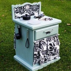 Play sink for the kiddos from old end table