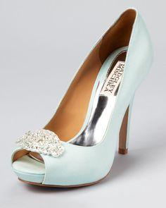 bride's shoes to match a mint bridesmaid dress