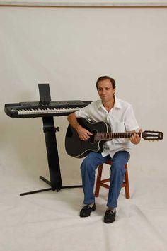 Olá pessoal pra quem gosta da música Chão de Giz, visite o blog e aprenda tocar de maneira bem simples!  http://josecarlosvivan.blogspot.com.br/2016/02/chao-de-giz-video-aula-vioao.html