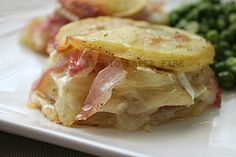 Potatoes millefuille with cheese and prosciutto // Patate ripiene di prosciutto e formaggio    #recipe  #juliesoissons