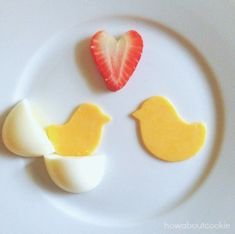 super easy, 2-3 minute Easter or spring-themed breakfast. | Love at First Hatch | http://www.howaboutcookie.com