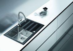 Najlepszy materiał na zlewozmywak - przegląd najpopularniejszych rozwiązań - kuchnieportal.pl Sink, Home Decor, Granite Counters, Sink Tops, Vessel Sink, Decoration Home, Room Decor, Vanity Basin, Sinks