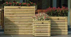 Hillhout heeft haar collectie bloembakken uitgebreid met een designlijn onder de naam Elan. Wooden Planters, Wood Pallets, Wooden Boxes, Pergola, Outdoor Structures, Patio, Landscape, Plants, Gardening