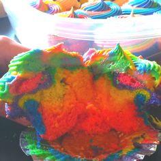 Tye dye cupcakes i wanna make these!!