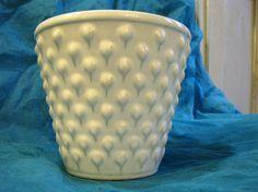 White 1960s Ü Keramik Planter vintage German Pottery – Modernist Mid Century Home Décor Pineapple Strawberry Hobnail – Uebelacker WGP von everglaze auf Etsy