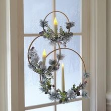 Unique And Modern Christmas Wreaths Decoration Ideas – Christmas is just a few days away. Of course, everyone is excited for the most special holiday of the year. This is the time when we usually fill our … Modern Christmas, Rustic Christmas, Simple Christmas, Christmas Holidays, Christmas Ornaments, Christmas Music, Christmas Candles, Merry Christmas, Christmas Projects