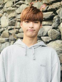 Hyunkyung Romeo Kpop, Love K, Handsome Guys, Romeo And Juliet, Seventeen, Boy Groups, Fandoms, Celebrities, Pretty Boys
