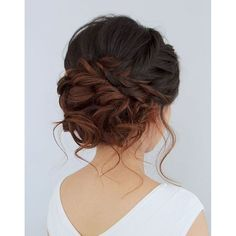 Terrific Beautiful romantic messy curled prom or bridal updo from Jouvence Aveda salon. The post Beautiful romantic messy curled prom or bridal updo from Jouvence Aveda salon…. appeared first . Wedding Hair And Makeup, Hair Makeup, Hairstyle Wedding, Wedding Updo With Braid, Wedding Nails, Bridal Braids, Bridal Hair Updo Loose, Loose Curls Updo, Messy Bun Wedding