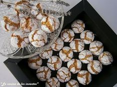 Galletas arabes de almendra.La Cocina de los inventos Arabic Dessert, Arabic Sweets, Donut Muffins, Donuts, Arabian Food, Pan Dulce, Lebanese Recipes, Sweet Cookies, Middle Eastern Recipes