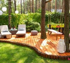 Do you have a deck in your backyard? Backyard Patio Designs, Backyard Landscaping, Palet Exterior, Deck Around Trees, Outdoor Pergola, Outdoor Decor, Jacuzzi Outdoor, Patio Makeover, Outdoor Projects