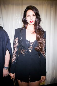 Lana del Ray in lace// provocative? or just plain stunning