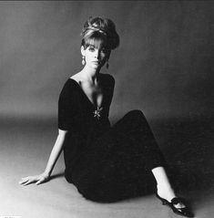 Great Photographers, Portrait Photographers, Portraits, 1960s Fashion, Vintage Fashion, Vintage Clothing, David Bailey Photography, Jean Shrimpton, English Fashion