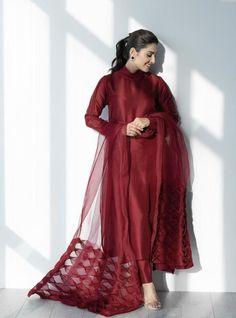 Beautiful Pakistani Dresses, Pakistani Dresses Casual, Pakistani Dress Design, Pakistani Clothing, Pakistani Couture, Stylish Dresses For Girls, Stylish Dress Designs, Designs For Dresses, Simple Dresses