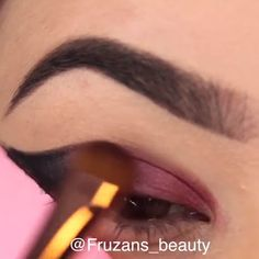 eye makeup makeup using tape makeup tutorial makeup no eyeliner eye makeup cause red eyes makeup with pink dress makeup no eyeliner makeup in your Eyebrow Makeup Tips, Smoky Eye Makeup, Makeup Eye Looks, Eye Makeup Steps, Beautiful Eye Makeup, Pretty Makeup, Skin Makeup, Eyeshadow Makeup, Eye Makeup Tips Videos