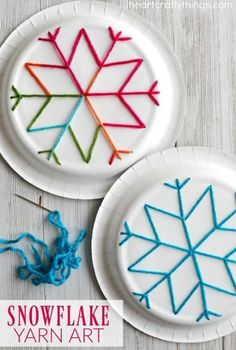 winter kids crafts This paper plate snowflake yarn art is a perfect activity for the winter months and is great for beginning sewing and fine motor skills. Fun winter kids craft, sewing craft for kids, paper plate crafts and winter activity for kids. Winter Activities For Kids, Winter Kids, Easy Crafts For Kids, Christmas Crafts For Kids, Holiday Crafts, Kids Winter Crafts, Winter Christmas, Kids Diy, Time Activities