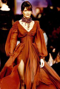 Christian Lacroix hc A/W 1993 90s Fashion, Couture Fashion, Runway Fashion, Fashion Brands, High Fashion, Fashion Glamour, Christian Lacroix, Zuhair Murad, Jean Paul Gaultier
