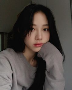 Makeup asian grunge New Ideas Pretty Korean Girls, Cute Korean Girl, Pretty Asian, Beautiful Asian Girls, Ulzzang Girl Selca, Ulzzang Korean Girl, Aesthetic Fashion, Aesthetic Girl, Girl Korea