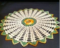 Doiley Crochet Quilt, Decorative Plates, Quilts, Home Decor, Crochet Bedspread, Decoration Home, Room Decor, Mantas Crochet, Quilt Sets