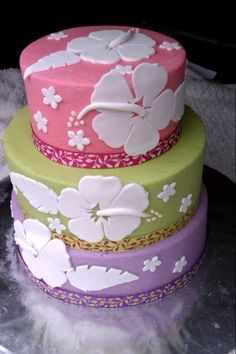 Hibiscus Cake - Make this cake for a Luau themed bridal shower. BC with fondant decorations. Pretty Cakes, Cute Cakes, Beautiful Cakes, Amazing Cakes, Hibiscus Cake, Hibiscus Wedding, Luau Birthday, Hawaiian Birthday, Summer Birthday
