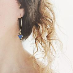 These gorgeous blue druzy earrings are elegant and sophisticated with a perfectly modern twist - just the thing for jazzing up jeans this season! They are perfect party earrings and will help you breeze through all your evenings with style and ease.  Featuring stunning blue druzy