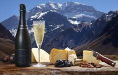 A região de Mendoza, no centro-oeste da Argentina, possui mais de 1.200 vinícolas e é responsável por cerca de 70% da produção de vinhos do país.