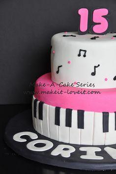 Piano Fondant Cake