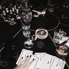 drinks after midnight Classy Aesthetic, Night Aesthetic, Aesthetic Black, A Little Party, Luxe Life, All I Ever Wanted, Rich Kids, Classy And Fabulous, Aesthetic Pictures