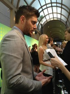 no wonder i practically have a heart attack over the man...look at him in that suit & that scruff!! <3