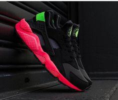 size 40 5c5a0 b4144 Hyper Punch Womens Nike Air Huarache Love Hate Nike Uarache, Nike Roshe,  Nike Dama