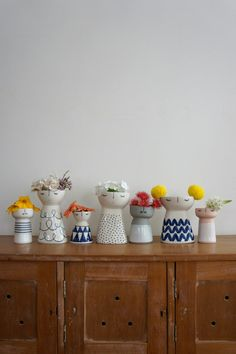 Meet Aussie Ceramic Artist Vanessa Bean (and Win one of her Gorgeous Vases!) Meet the Creative behind Vanessa Bean Ceramics – Vanessa Bean Shop ceramic vases on The Life Creative. Ceramic Planters, Ceramic Clay, Porcelain Ceramics, Ceramic Vase, China Porcelain, Painted Porcelain, Hand Painted, Slab Pottery, Ceramic Pottery