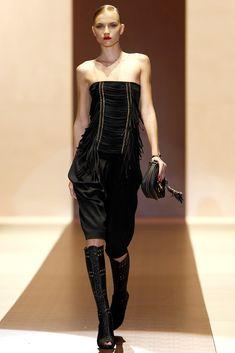 Gucci Spring 2011 Ready-to-Wear Fashion Show - Anabela Belikova