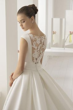 Aire Wedding Dresses – 2020 Fashions Womens and Man's Trends 2020 Jewelry trends Elegant Wedding Dress, Wedding Bridesmaid Dresses, Dream Wedding Dresses, Bridal Dresses, Wedding Gowns, 50s Style Wedding Dress, Beautiful Gowns, Marie, Satin Duchesse