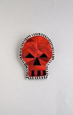 #Halloween #skull brooch by #AnAstridEndeavor