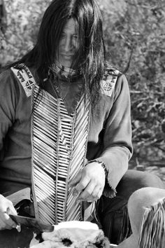 David Martinez (Mountain Child) Northern Arapaho ~ just photo, not a site.. what a beautiful Native face..that beautiful black hair