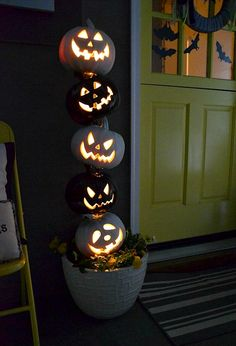 Fun pumpkin topiary idea!