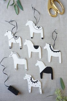 Dala Horse Ornaments | Francois et Moi #holiday #christmas #swedish #clay