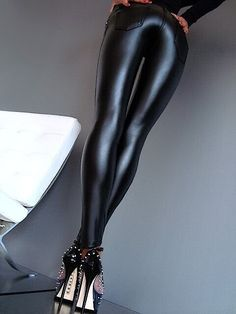 Wetlook leggings & Heels