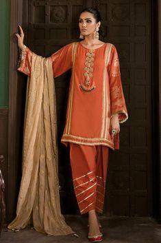 pakistani dresses Source by ayeshakumar dresses pakistani Source by tiffanyeginesshop Dresses pakistani Stylish Dresses For Girls, Stylish Dress Designs, Designs For Dresses, Dresses For Work, Casual Dresses, Fashion Dresses, Salwar Kurta, Indian Salwar Kameez, Patiala
